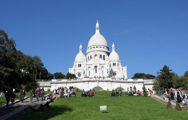 Tour Tales – Paris