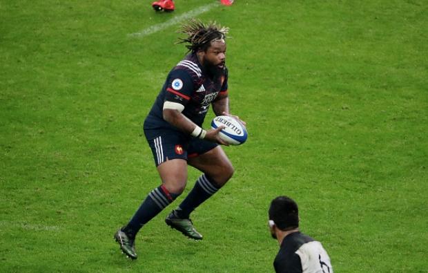 Bastareaud back for France
