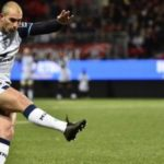 Montpellier outclass Oyonnax to stay top