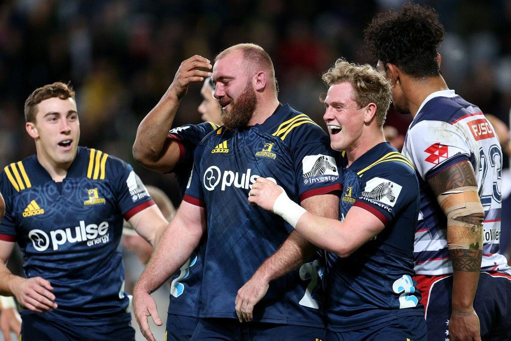 Highlanders' win hands Sharks a lifeline