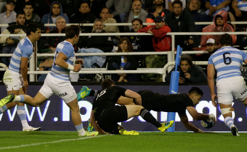 All Blacks bounce back to clinch title