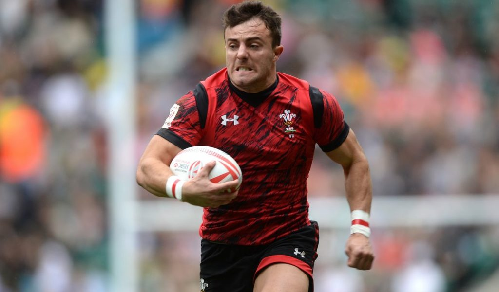 Wales pick two rookies for Scotland