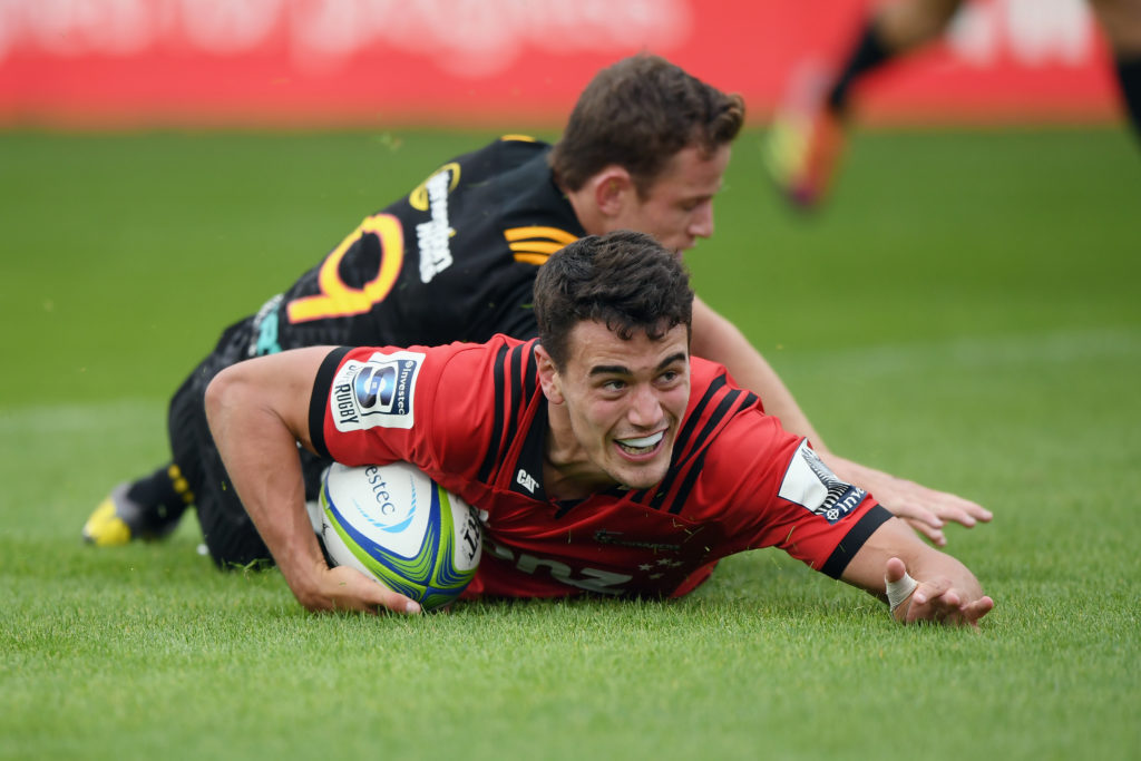 Crusaders clout clueless Chiefs