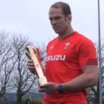 Watch: Wales captain receives award